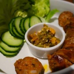 Kin-khao-saus-4