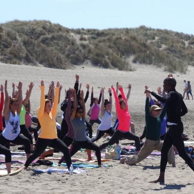 free-outdoor-yoga-ocean-beach-tony-eason-4