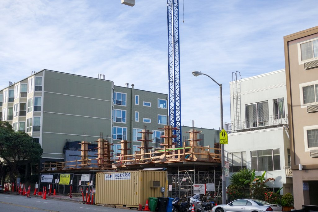 Pacific Height's LuXe Breaches Street Level