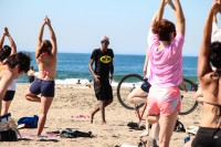 tony-eason-free-outdoor-yoga-outer-sunset-beach-2