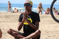 tony-eason-free-outdoor-yoga-outer-sunset-beach-hero-5