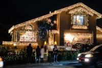 treeside-court-christmas-lights-2015-16